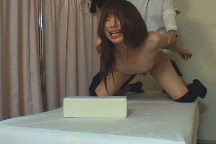 バイノーラル録音で淫語手コキする制服娘